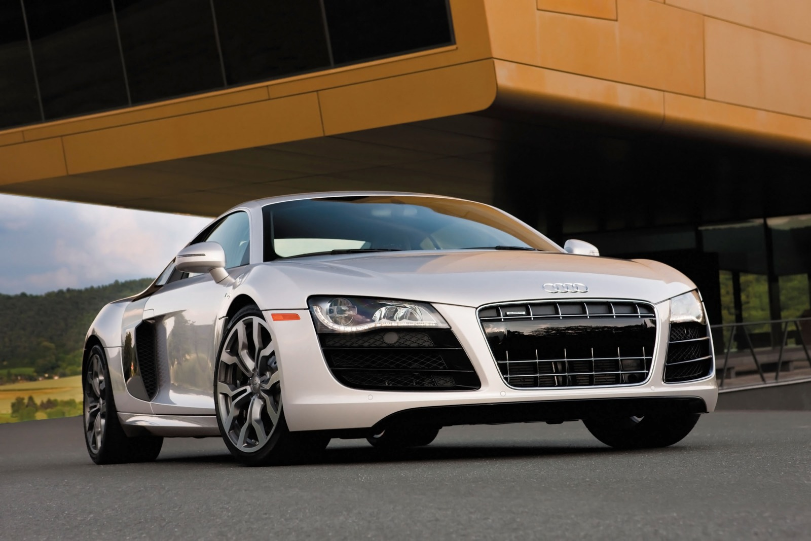 Maintenance Schedule for Audi R8 | Openbay
