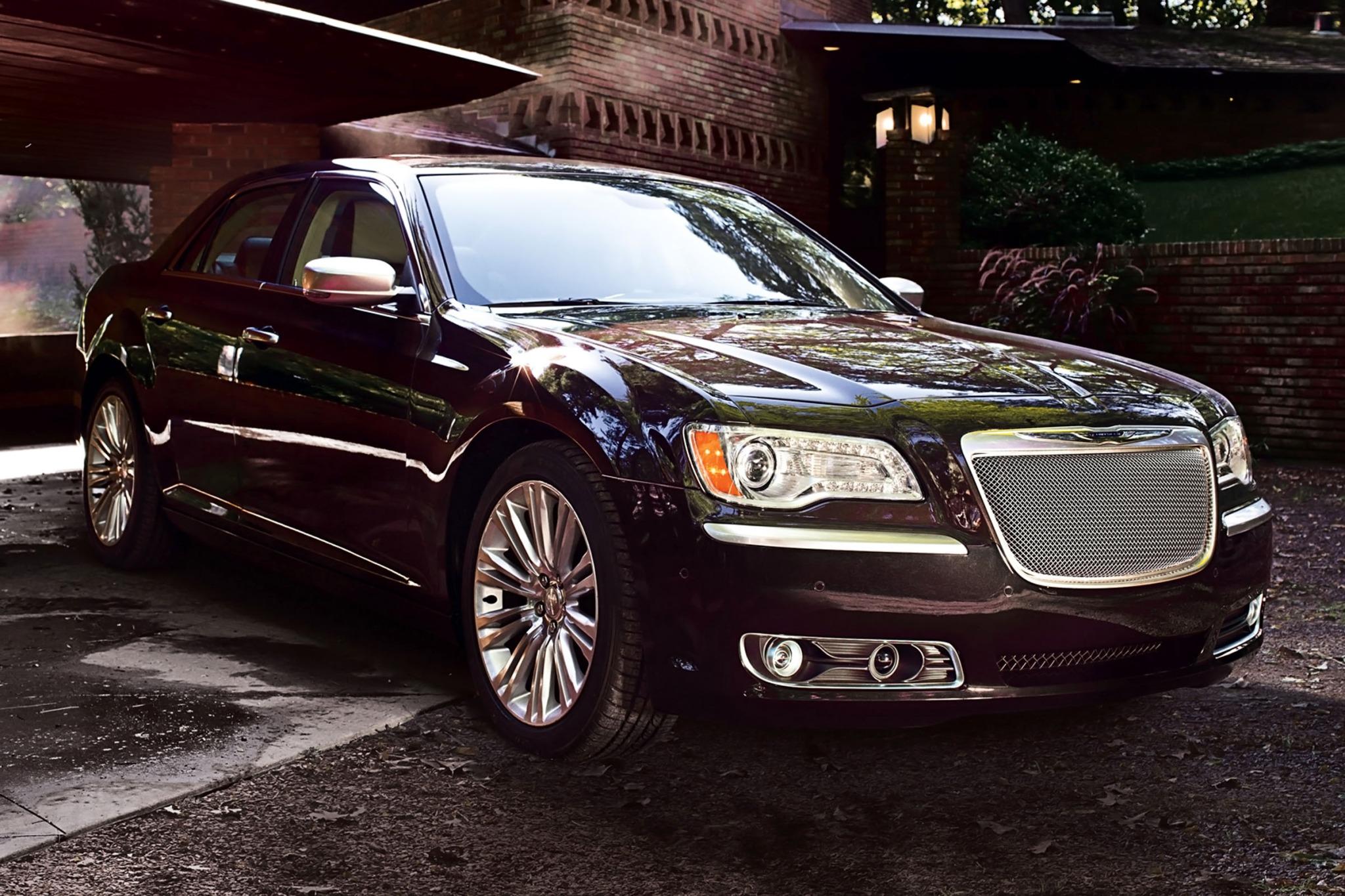 2012 chrysler 300 sedan c luxury series fq oem 2 2048
