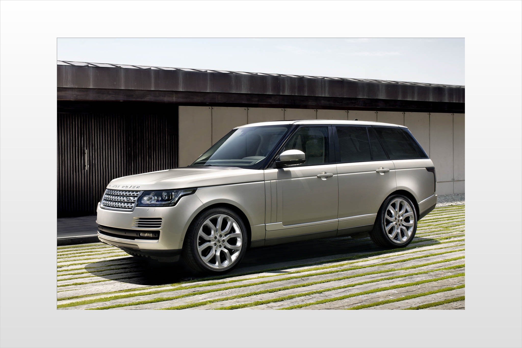 2013 land rover range rover 4dr suv supercharged fq oem 1 2048
