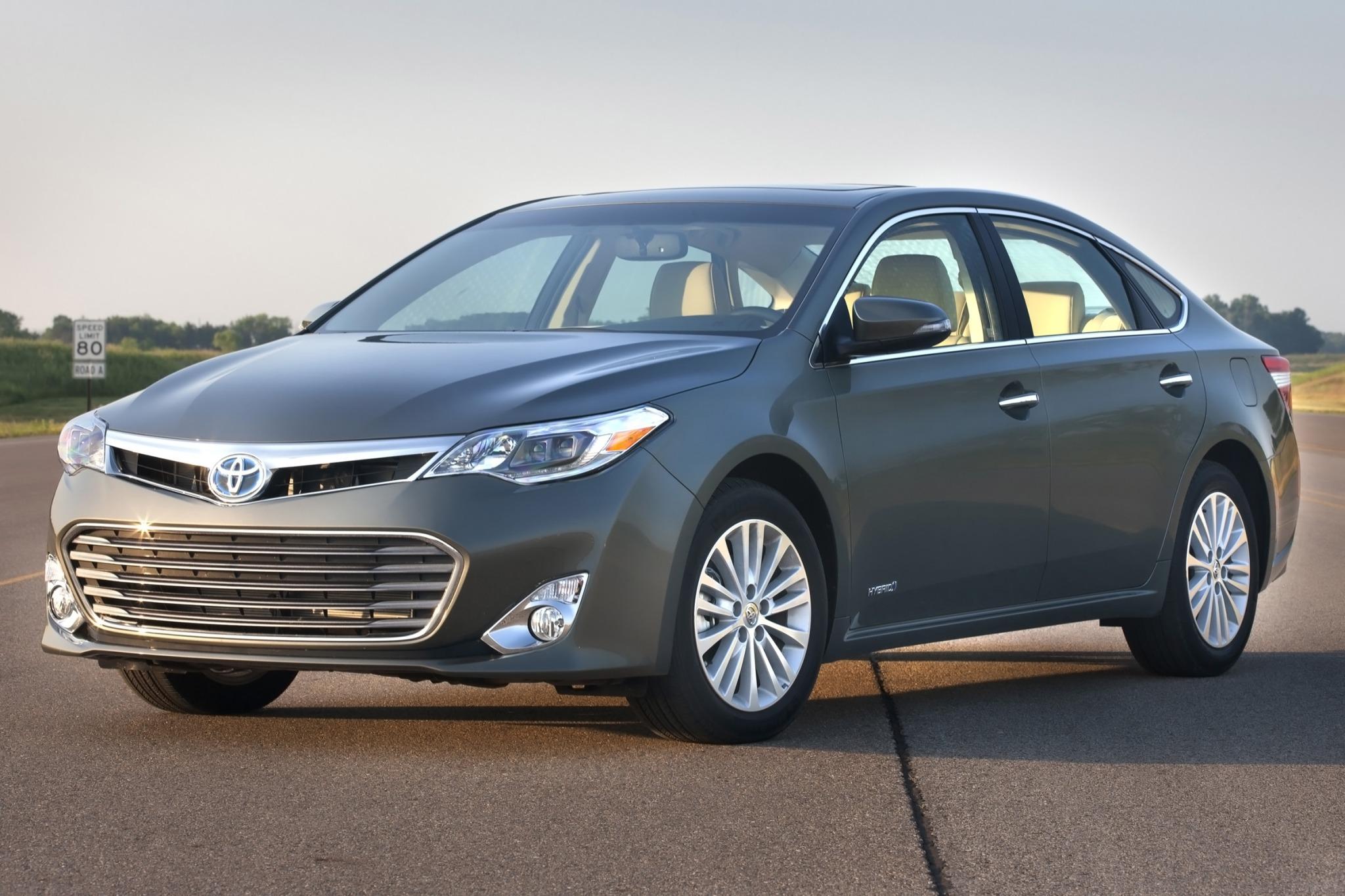 2013 toyota avalon hybrid sedan xle premium fq oem 1 2048