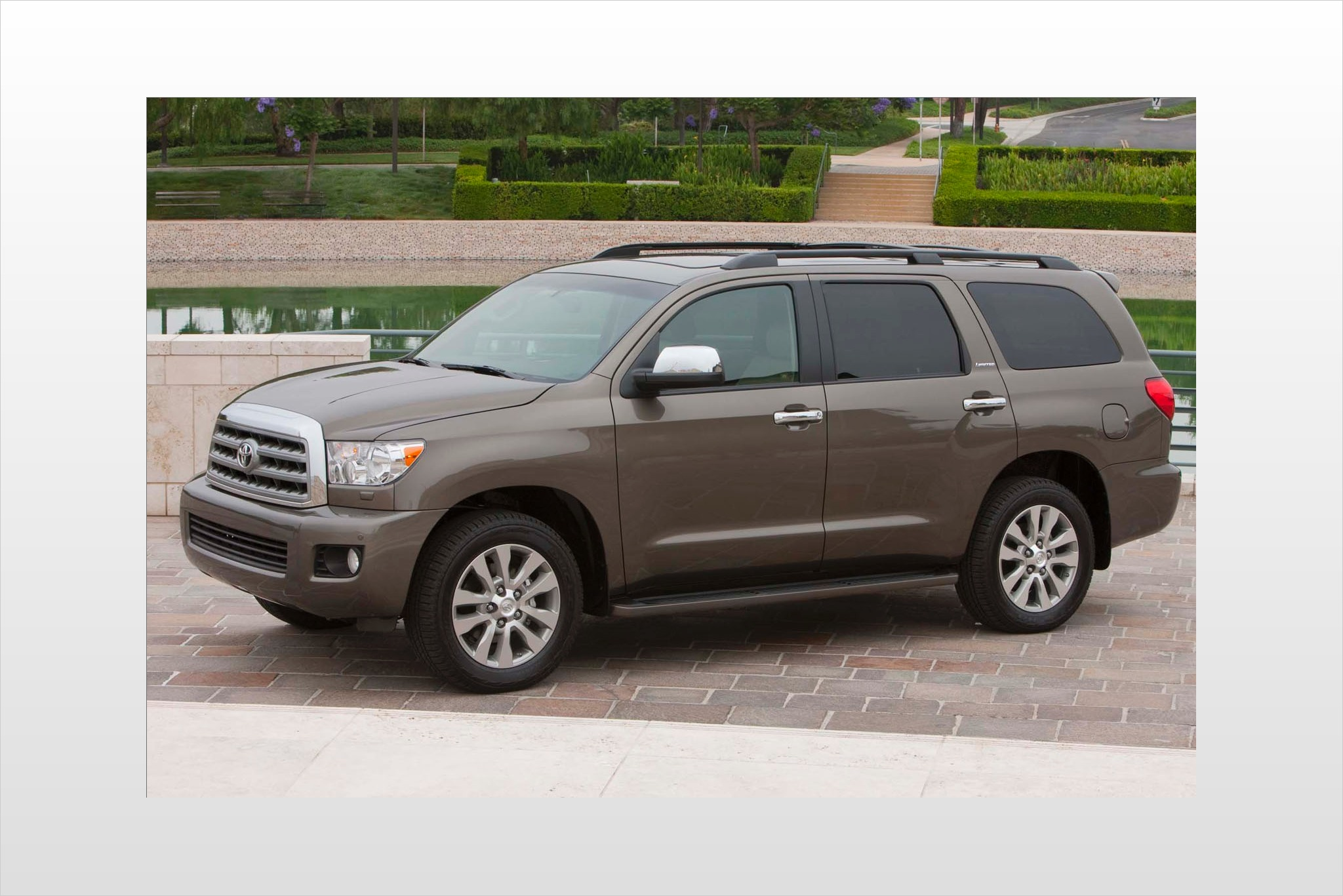 2013 toyota sequoia 4dr suv limited fq oem 1 2048