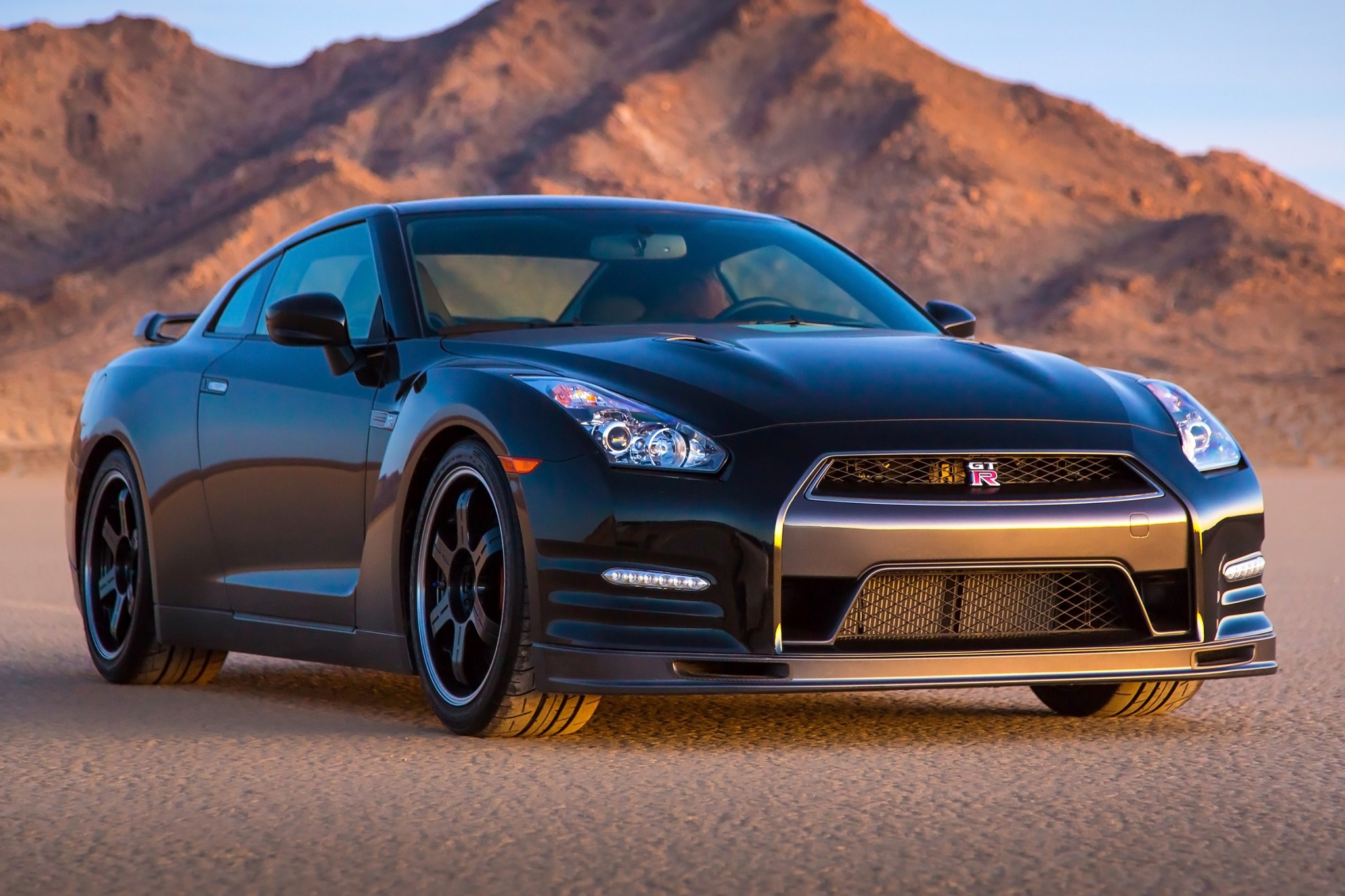 2014 nissan gt r coupe track edition fq oem 2 2048