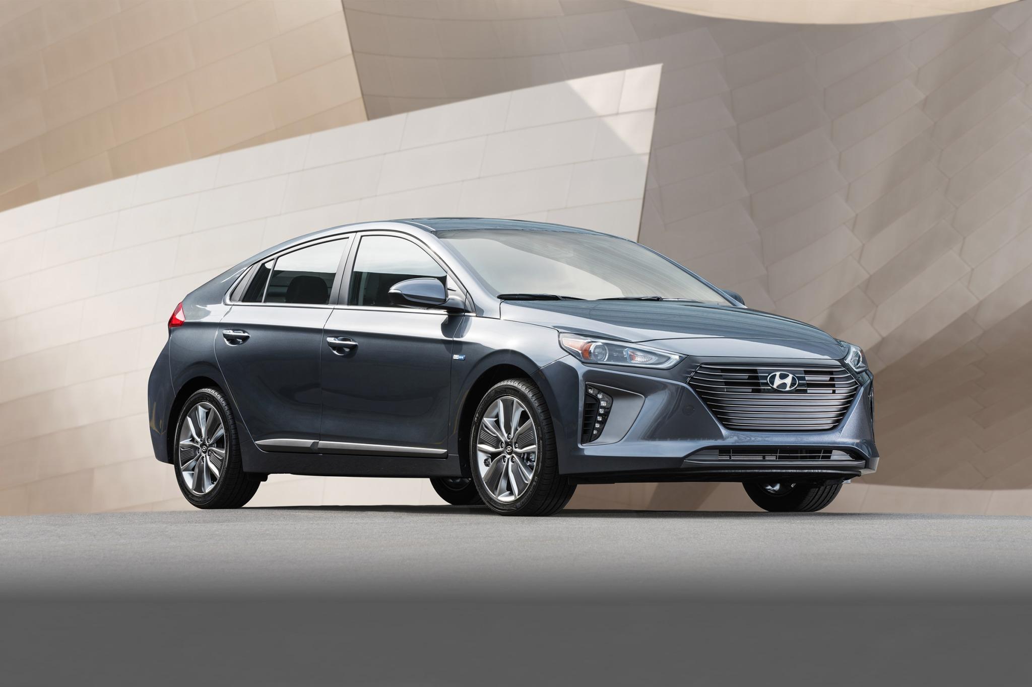2017 hyundai ioniq hybrid 4dr hatchback limited fq oem 1 2048