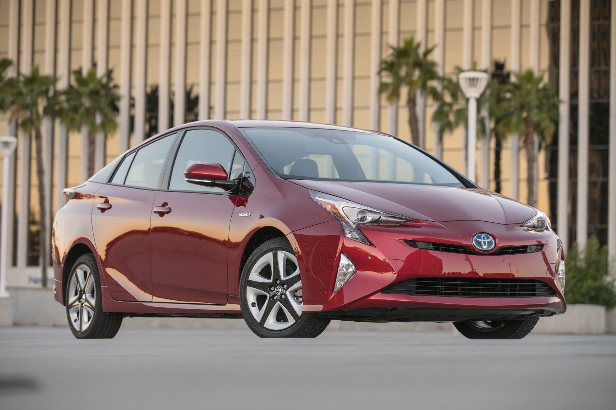 2017 toyota prius 4dr hatchback four touring fq oem 1 2048