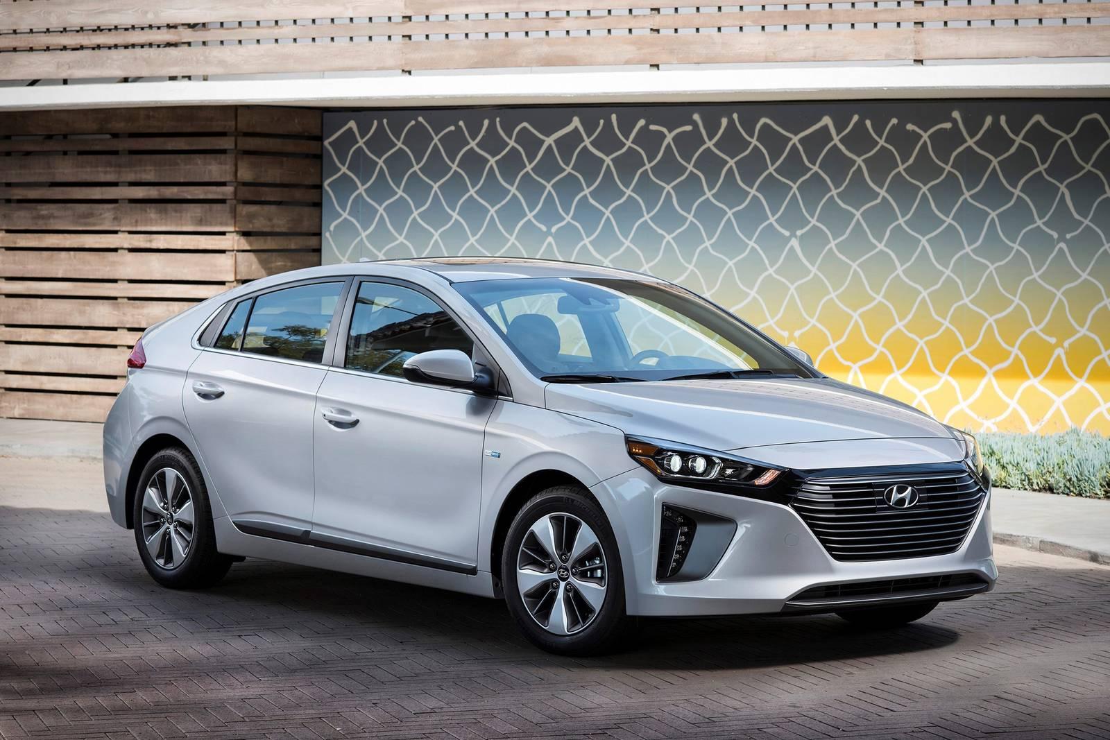2018 hyundai ioniq plug in hybrid 4dr hatchback limited fq oem 1 1600