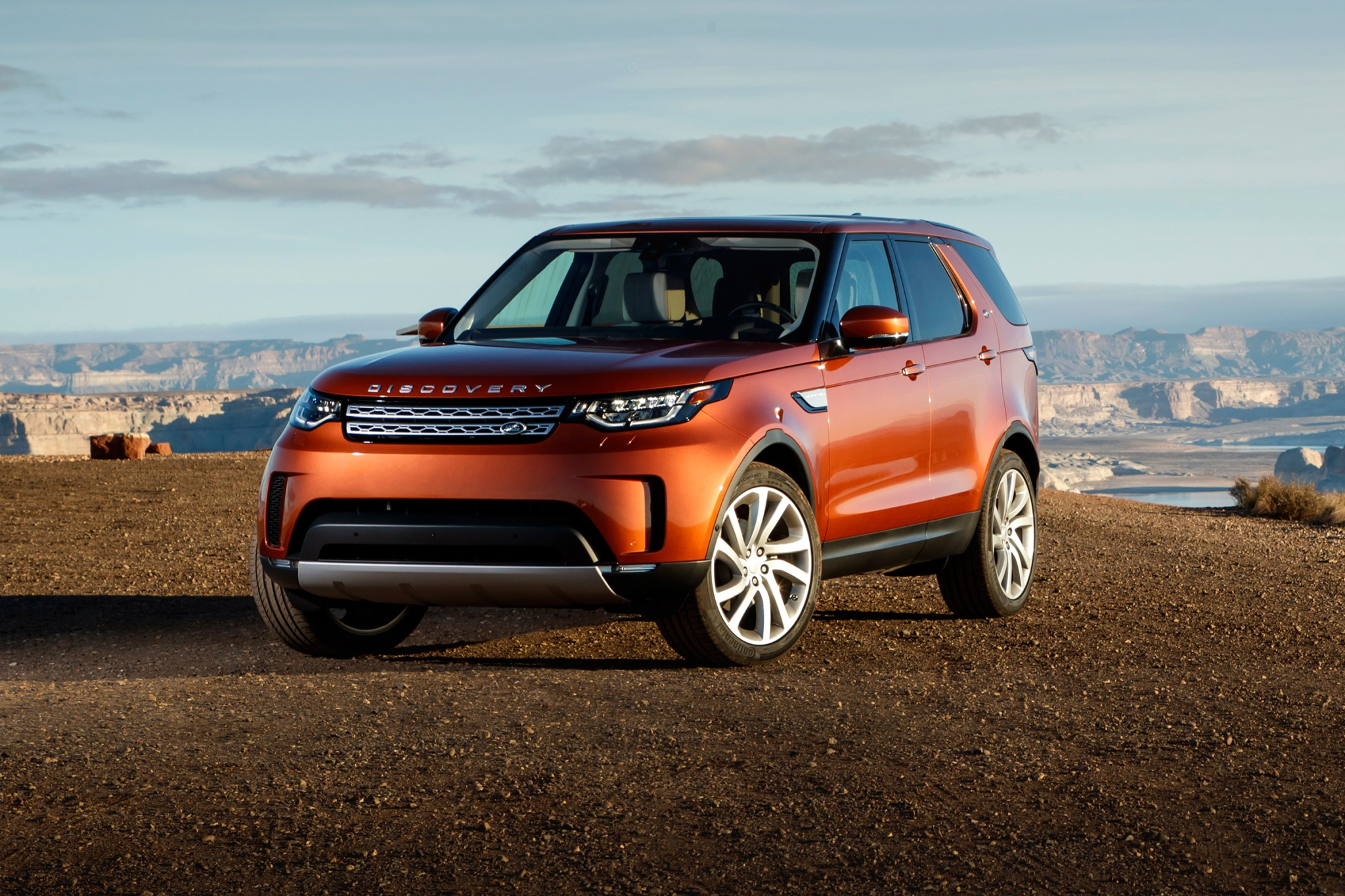2018 land rover discovery 4dr suv hse td6 fq oem 1 2048
