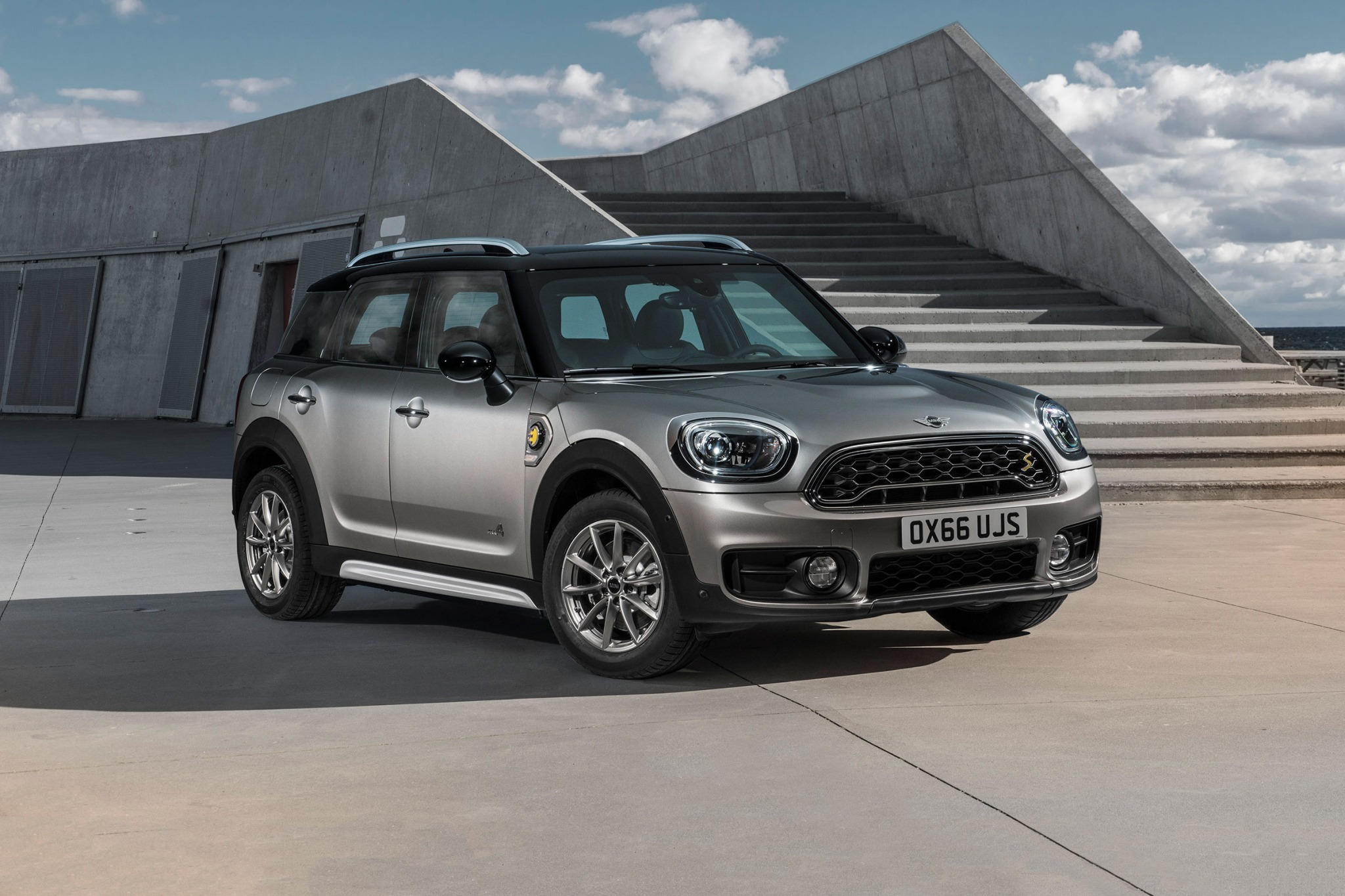 2018 mini countryman wagon cooper s e all4 fq oem 1 2048